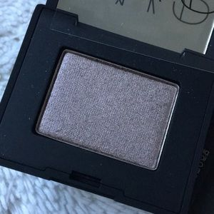 NARS NWT single Eyeshadow with tiny mirror ROME
